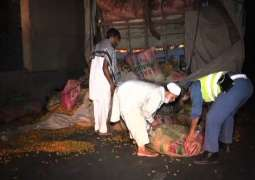 Truck trapped in underpass in Lahore