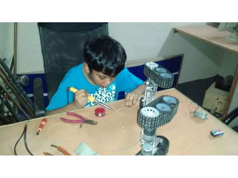 11 Years Old Boy Made Military Grade Drone In Karachi