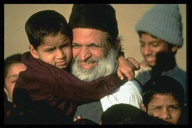 world honored Abdul Sattar Edhi with respected awards