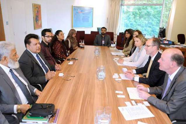 Governors meets minority delegation, assures redressal of grievances