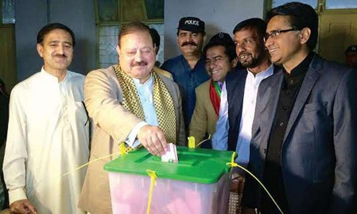 Thousands arrive in AJK from Pakistan, abroad to cast votes