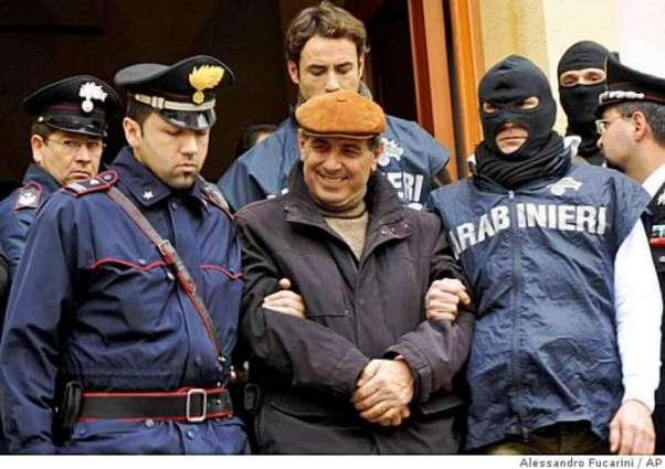 Hobbling mobster nabbed in Italy