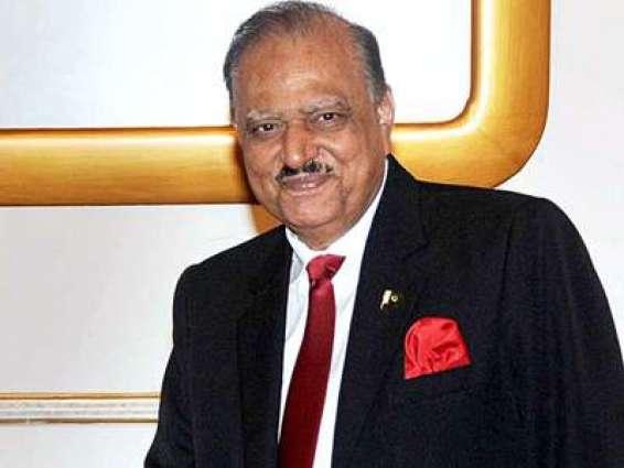 الرئيس الباكستاني: باكستان تؤمن في التعايش السلمي وترغب في العلاقات الودية مع جميع الدول