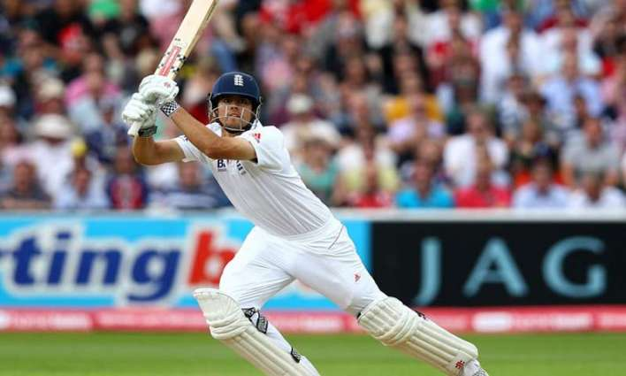 Cricket: Cook and Root keep Pakistan at bay