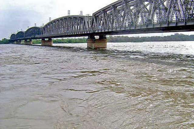 River Indus still in low flood
