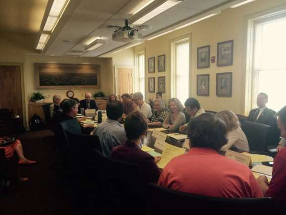 VC discusses academic matters with Deans Committee