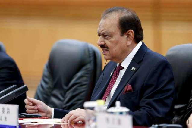 الرئيس الباكستاني: التدقيق لإنفاق القطاع العام ضروري لضمان الشفافية