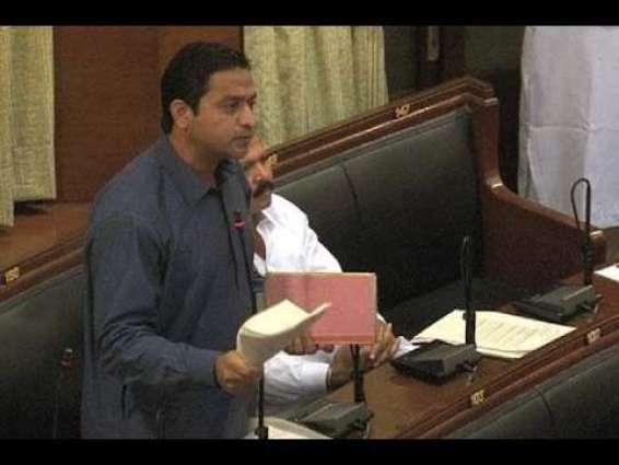 پی ٹی آئی خرم شیر زمان کوں سندھ اچ وزارت اعلیٰ کیتے امیدوار نامزد کرڈتے