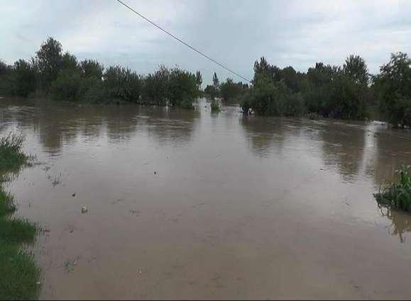 Several villages inundated after high level flood in Sialkot