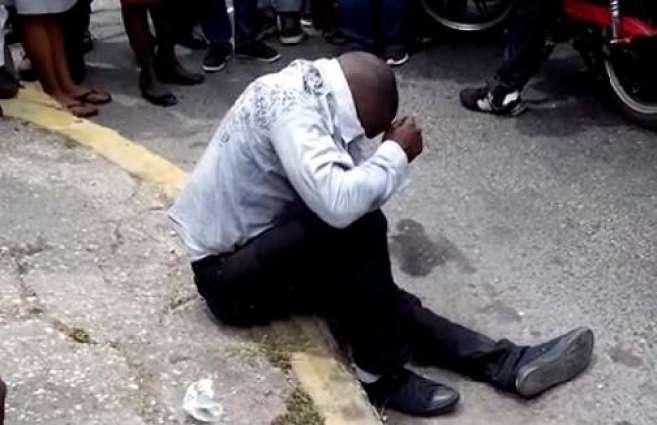 Robbers injure man