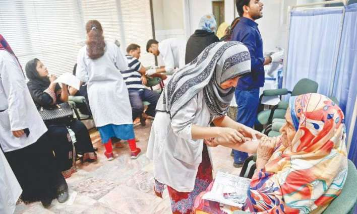 4.5% Pakistanis infected with HCV, 2.5% with HBV: Health experts