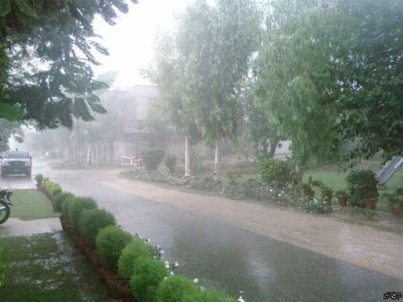 محکمہ موسمیات دے مطابق آندے 48گھنٹیاں اچ ملک دے بہوں سارے علاقیاں اچ موسم گرم اتےمرطوب راہسی
