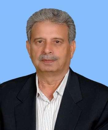وزير الإنتاج الدفاعي الباكستاني يؤكد على مواصلة العملية الأمنية في مدينة كراتشي حتى استعادة السلام