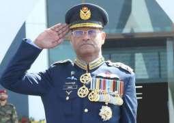 قائد القوات الجوية الباكستانية يحث الشعب على تعزيز الانسجام الوطني