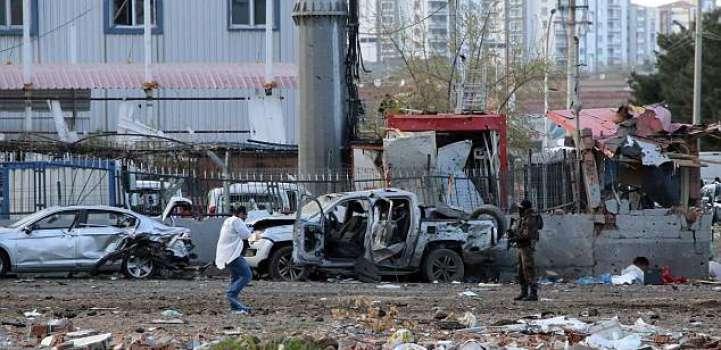 مقتل وإصابة 17 من سياح إثر سقوط سيارة بواد شديد الانحدار بشمال البلاد