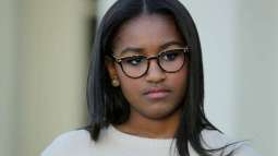 Obama's daughter works in a restaurant to spend her summer holidays