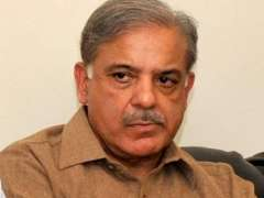 رئيس حكومة إقليم البنجاب يطمئن على صحة مصابي التفجير الانتحاري بمدينة كويتا عاصمة إقليم بلوشستان