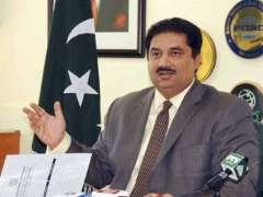 وزير التجارة الباكستاني: الفوضى السياسية في البلاد تضعف المؤسسات الديمقراطية