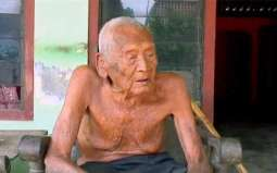 Indonesian man claiming to be the longest life span of 145 years