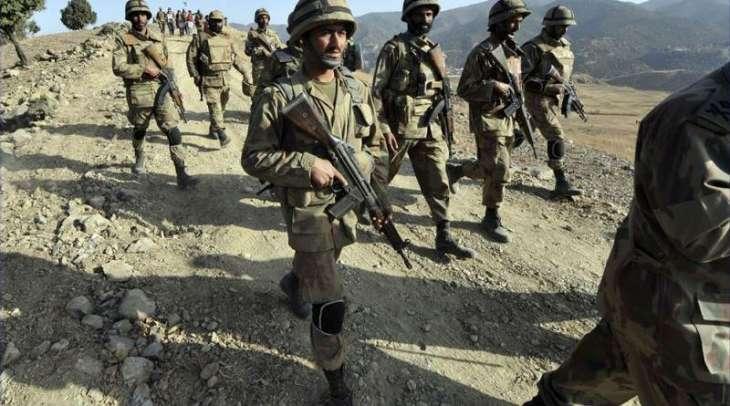 مقبوضه کشمیر كښې کرفیو ،د احتجاجي هړتال پرله پسې 24مه ورځ روانه ده٬ كارګل كښې چاٶدنه٬ 2 هندي عسكر مړه