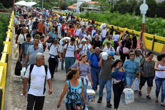 Colombia adopts measures to battle migrant crisis