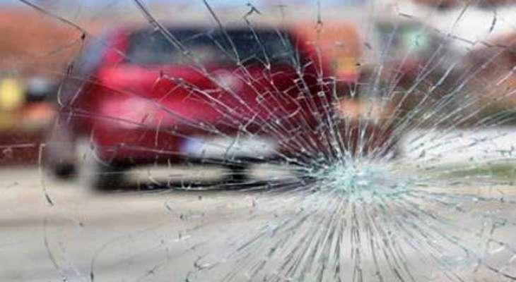 2 women among 3 injured