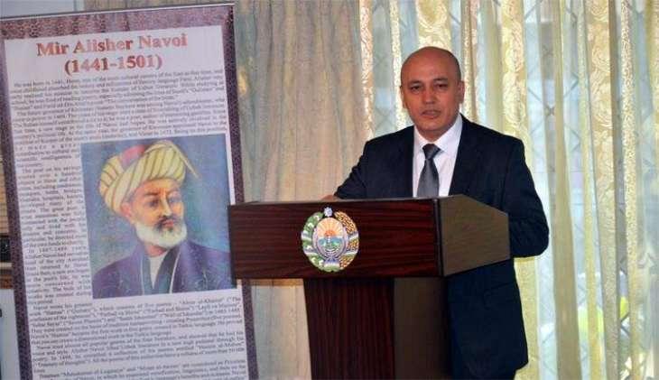 Uzbekistan envoy gifts photographs of Zaheer-ud-Din Babar to Lok Virsa