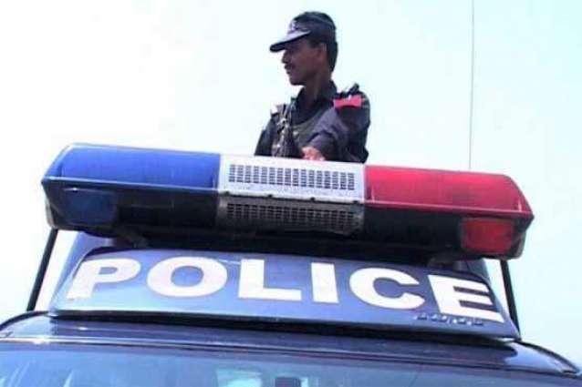 دکی نا علاقہ ٹی چنکو جھگڑہ سے آ اِرا ایلم اسہ ایلو آ سم کاری کرسا ٹھپی، پولیس