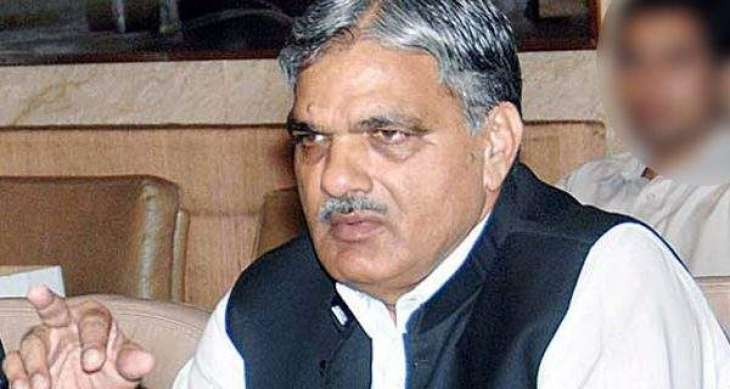 وزير الباكستاني يهنئ رئيس وزراء كشمير الحرة الجديد