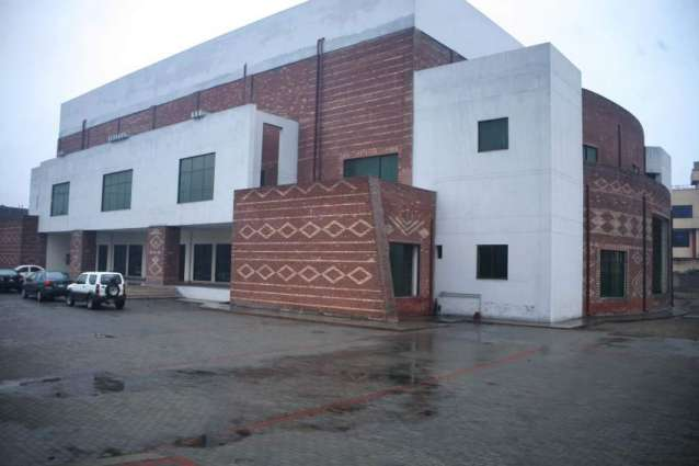 Commissioner orders completion of Sargodha Arts Council building