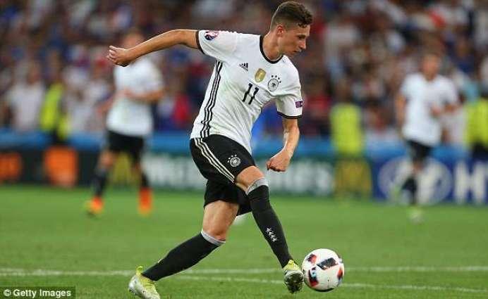 Football: Wolfsburg insist want-away Draxler is staying