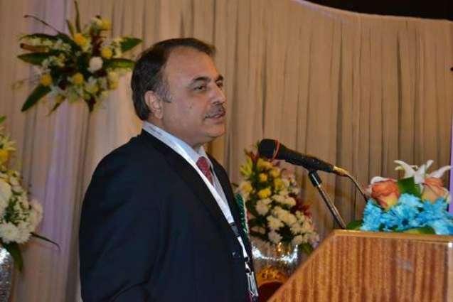 السفير الباكستاني لدى المملكة العربية السعودية: السفارة الباكستانية تقدم المواد الغذائية للعمال الباكستانيين المحصورين في المملكة