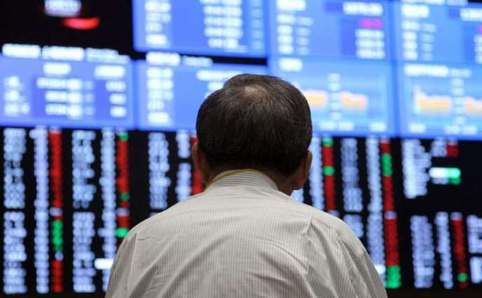 Tokyo stocks rise at open as weaker yen lifts exporters