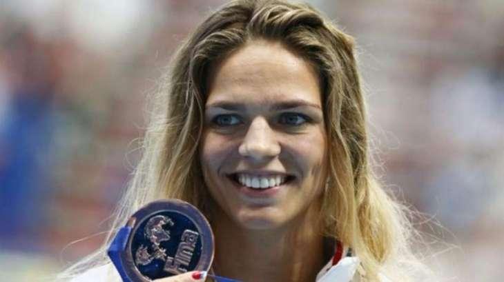 Olympics: Russia's Efimova says she's cleared to swim in Rio