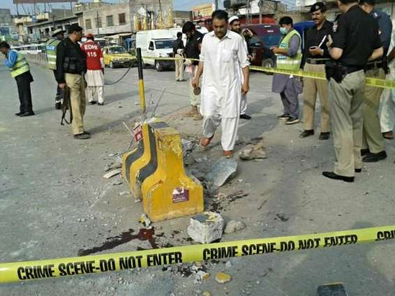 Injured traffic police official dies at LRH