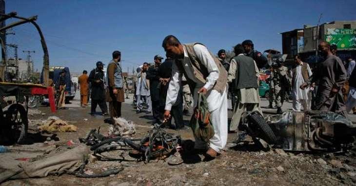 کوئٹہ، منوجان روڈ آ نادرست موٹرسائیکل سوارآتا سم کاری آن بلوچستان بارایسوسی ایشن نا صدر بلال کاسی تپاخت کرے سول ہسپتال اٹی بمب دھماکہ ٹی 30بندغ تپاخت وخت اس کہ20ٹھپی ، کوئٹہ نا ہسپتال آتیٹی ایمرجنسی ءِ نافذ کننگا، ٹھپی مروک آتے طبی امداد تننگ انگ ءِ