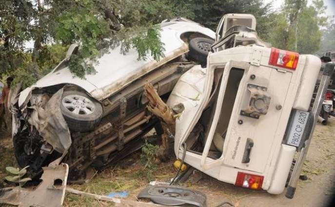 Six injured in road mishap