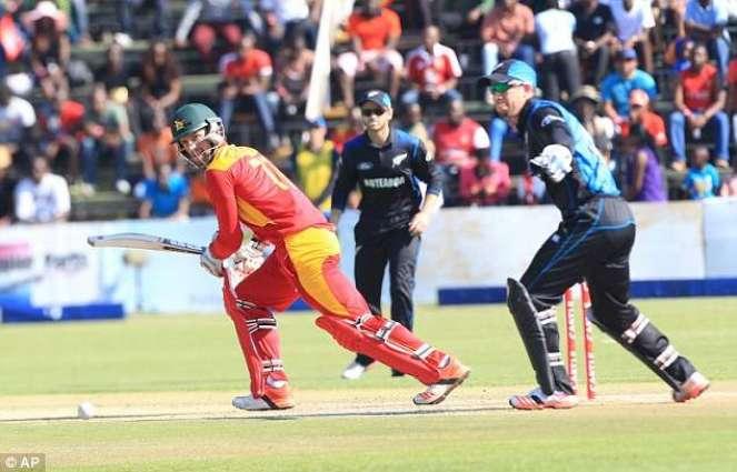 Cricket: Ervine puts up resistance against New Zealand