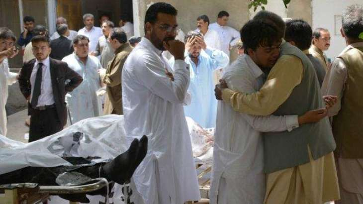 د بلوچستان چيف سېكتر سېف الله چټه د بلوچستان پوليس آئي جي احسن محبوب سره د كوئټې سول روغتون ته لاړو