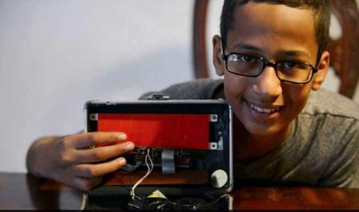 Family of Muslim student suspended for homemade clock sues school