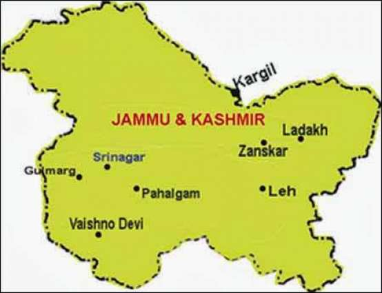 JKPL team visits martyrs' families in Aishmuqam