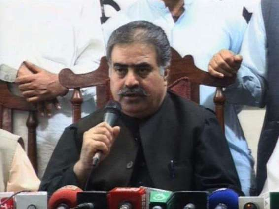 د بلوچستان اعلی وزير ثناﺀ الله خان زهري د كوئټې سول روغتون ته لاړ ۔  په ځانمرګې بريد كښې د ژوبل شويو تپوس پوښتنه ٬ د پېښې د ځائ څارنه ٬په كوئټه ښار كښې كومبنګ عمليات پېل كړي شوي۔ د آخري ترهګر تر خاتمې به په قلارنه كينو ۔ د اعلی وزير ثناﺀ الله خان زهري سول روغتون څخه بهر ميډيا سره خبرې