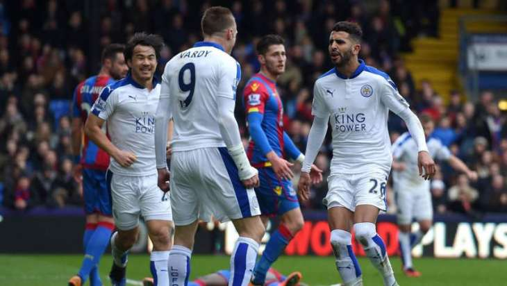 Football: Ranieri extends Leicester stay
