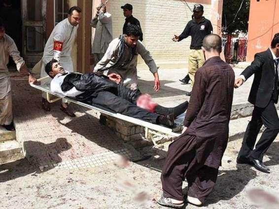 کوئٹہ بمب دھماکے دے 42 زخمی تھیونڑ آلیں کوںآغا خان ہسپتال وچ طبی امدد ڈتی ویندی پئی ہے