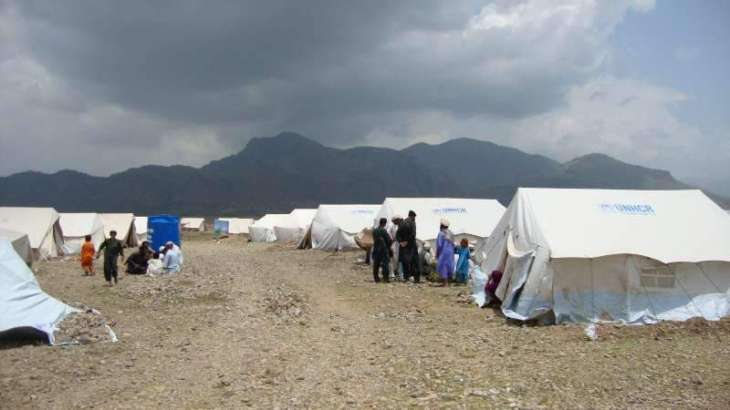 UNHCR deliver tents for displaced families in South Waziristan, Orakzai