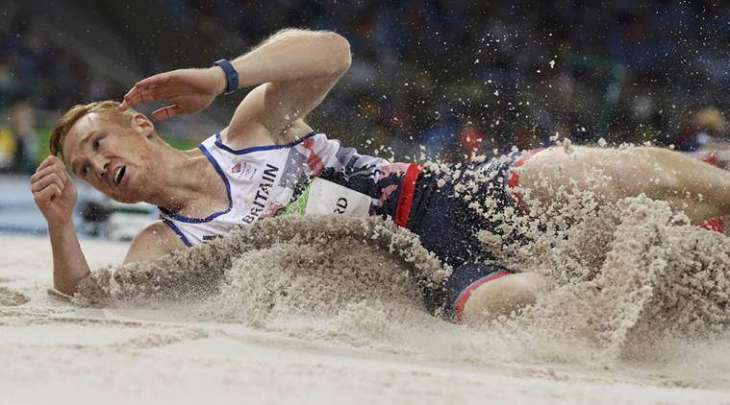 Olympics: Defending champion Rutherford scrapes into final