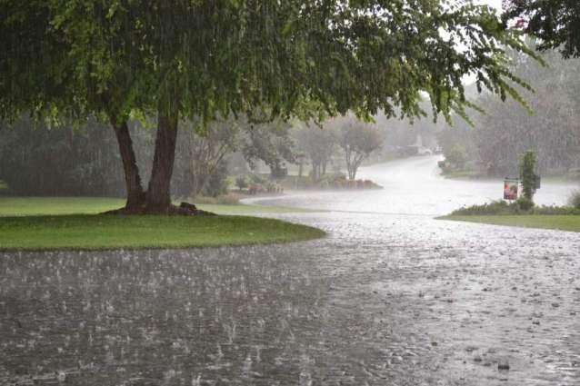 د راتلونكو 48 ساعتونو په مهال به د هېواد په زياتره سيمو كښې موسم ګرم او مرطوب وي٬  په پېنډې٬ ګوجرانواله٬ لاهور٬ سرګودھا٬ مالاكنډ٬ هزاره٬ پېښور٬ كوهاټ ډويژن٬فاټا٬ ګلګت بلتستان او د كشمير په ځينې سيمو كښې د باران امكان دے۔ د موسمياتو محكمه