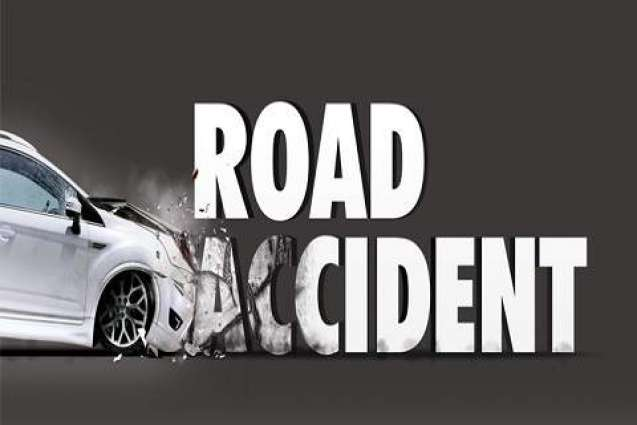 Man injures in road mishap