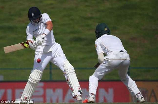 Cricket: Pakistan 542 all out against England