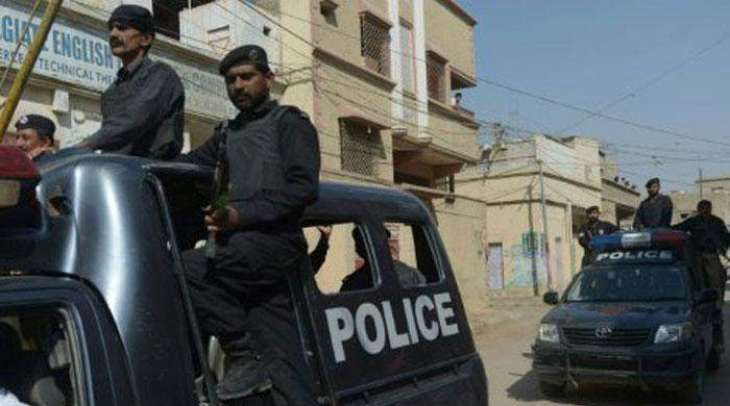 Gangster arrested in injured condition